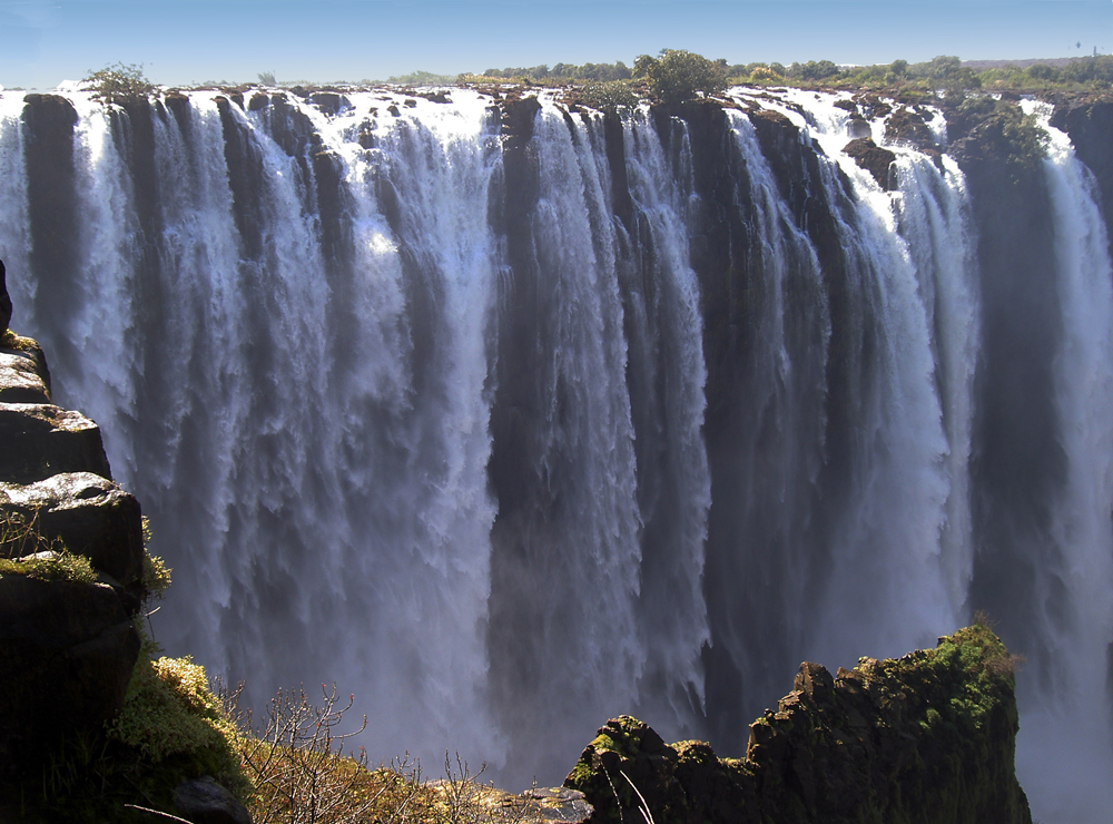 victoria falls Get facts, photos, and travel tips for victoria falls, a world heritage site in zambia and zimbabwe, from national geographic.